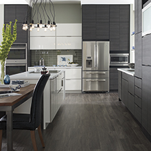 Aspen and Derazi kitchen cabinets in a horizontal orientation