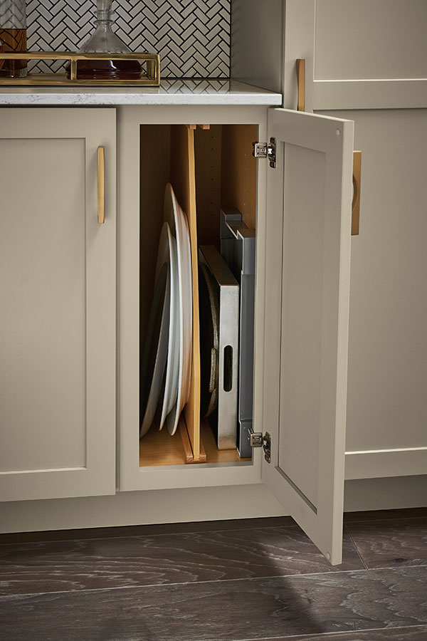 /-/media/schrock/products/cabinet_interiors/woodtraydivider.jpg