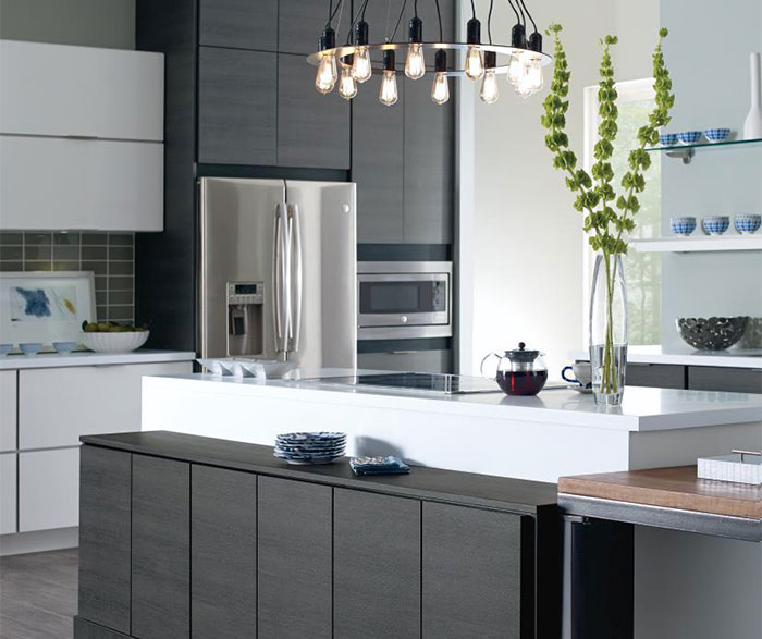 ... Laminate Cabinets In A Contemporary Kitchen ...