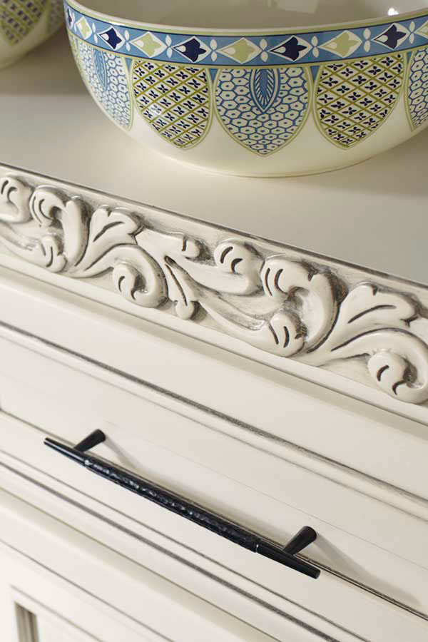 /-/media/schrock/products/mouldings_accents/3acanthusinsertmcocgsm.jpg